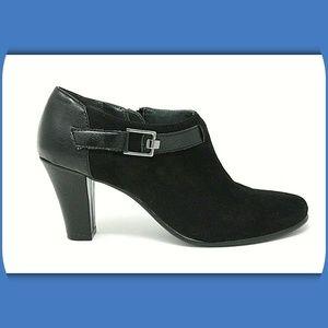 AEROSOLES Heel Rest Leather Zip Ankle Booties